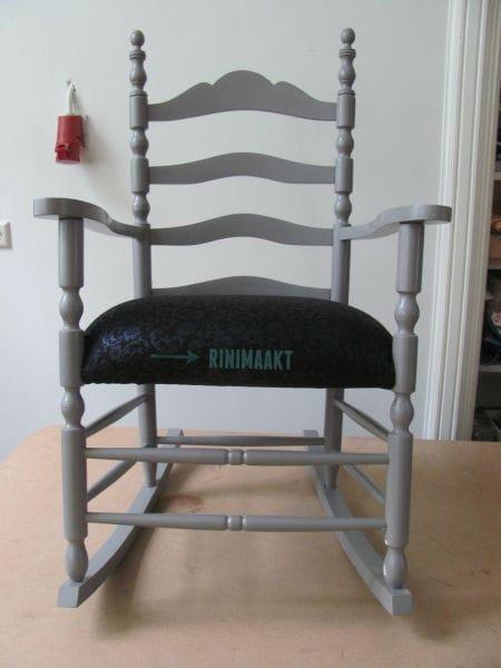 Zelf Bureaustoel Stofferen.Oude Schommelstoel Voorzien Van Een Nieuwe Zitting Rinimaakt