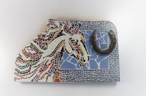 rinimaakt Rini maakt mozaïek paard