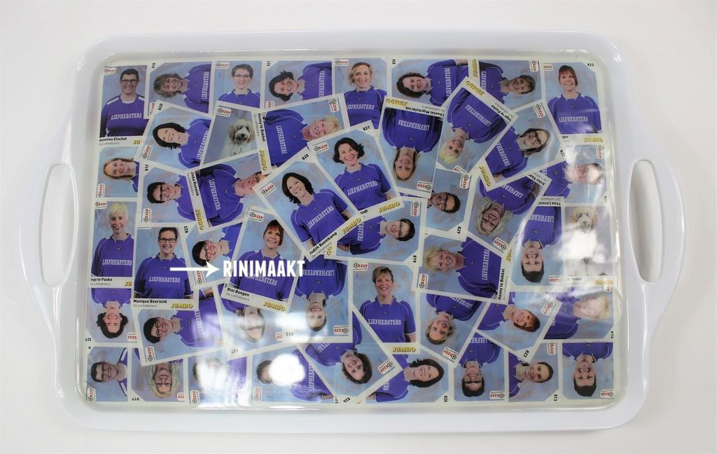 rinimaakt.nl epoxy dienblad met voetbalplaatjes