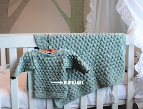 gebreid baby truitje en deken