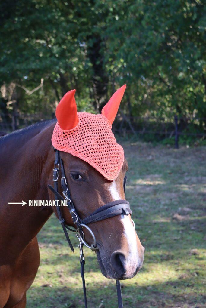 gehaakt oornetje voor paarden en pony's
