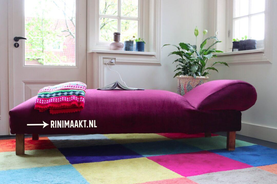 zelf gestoffeerde sofa